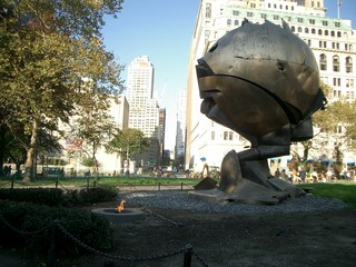 2008.11.NY.batterypark.monument.jpg